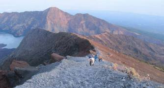 Lake and Hot Spring Rinjani 3Days 2 Nights