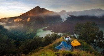 4 days 3 night to Summit Mount Rinjani